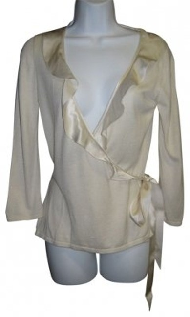 Preload https://item1.tradesy.com/images/banana-republic-ivory-cashmere-sweaterpullover-size-2-xs-25500-0-0.jpg?width=400&height=650