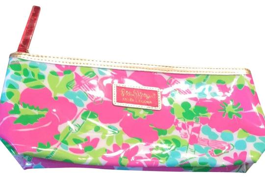 Preload https://img-static.tradesy.com/item/25500214/lilly-pulitzer-paisley-pink-for-estee-lauder-cosmetic-bag-0-1-540-540.jpg