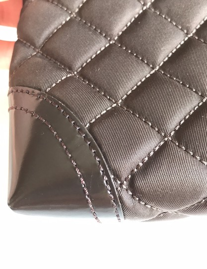 Burberry quilted nylon cosmetic bag Image 11