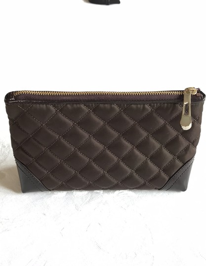Burberry quilted nylon cosmetic bag Image 3
