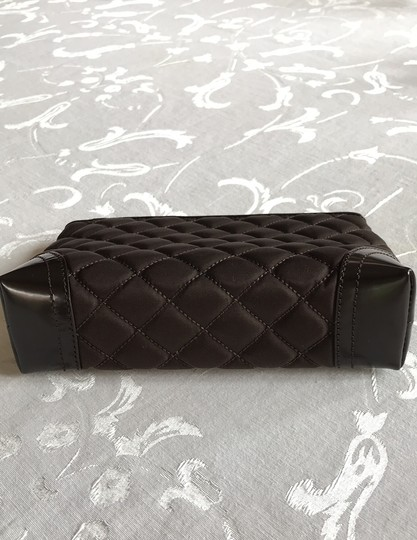 Burberry quilted nylon cosmetic bag Image 5
