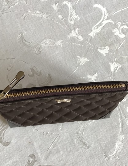 Burberry quilted nylon cosmetic bag Image 8