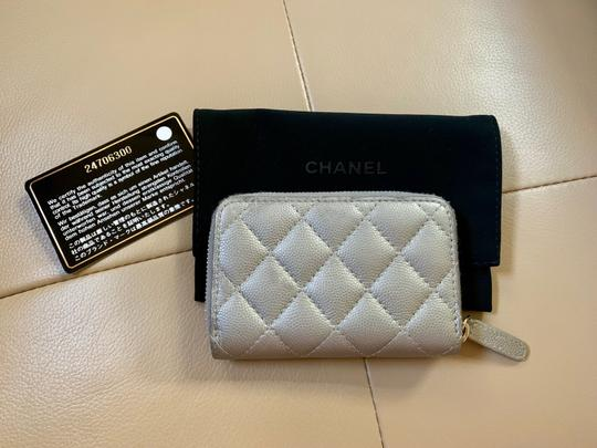 Chanel Chanel Classic Zipped Card holder Image 2