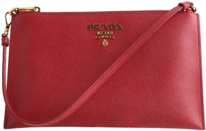 fba2639b9c Prada Clutches on Sale - Up to 70% off at Tradesy