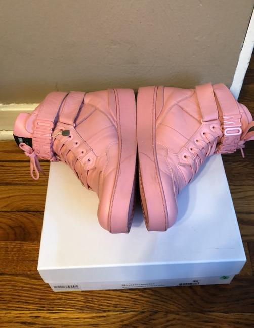 Moschino Pink Top Sneakers Size US 9 Regular (M, B) Moschino Pink Top Sneakers Size US 9 Regular (M, B) Image 5