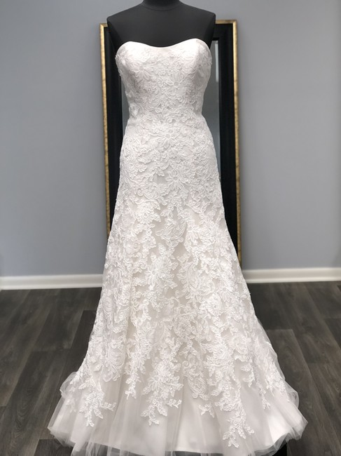 Mori Lee Champagne Lace 2705 Traditional Wedding Dress Size 8 (M) Mori Lee Champagne Lace 2705 Traditional Wedding Dress Size 8 (M) Image 1