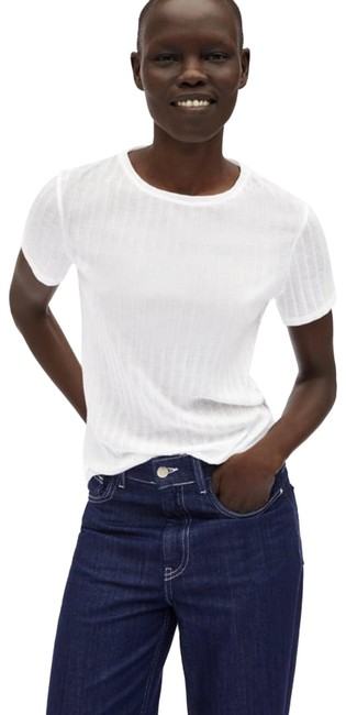 Preload https://img-static.tradesy.com/item/25504272/zara-white-tlimited-edition-ribbed-t-shirt-tee-shirt-size-8-m-0-1-650-650.jpg