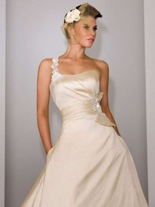 Martina Liana Martina Liana 259 Wedding Dress