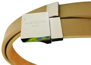 Louis Vuitton Beige Shiny Leather with Iconic Silver Buckle Skinny Belt