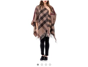 e70eace53d Burberry Clothing on Sale - Up to 80% off at Tradesy