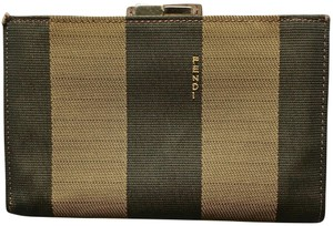 24227f0611 Fendi Accessories on Sale - Up to 70% off at Tradesy