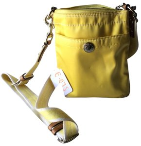 4bfe251e30 Yellow Coach Bags - 70% - 90% off at Tradesy