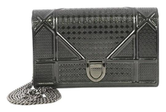 Preload https://img-static.tradesy.com/item/25513912/dior-wallet-on-chain-diorama-cannage-embossed-black-calfskin-leather-satchel-0-1-540-540.jpg