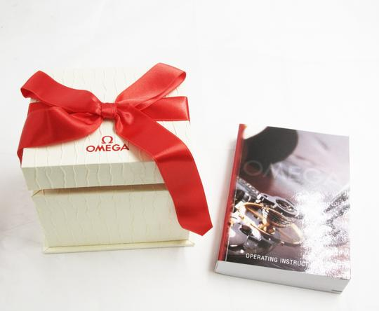 Omega Omega watch Box and book Image 2