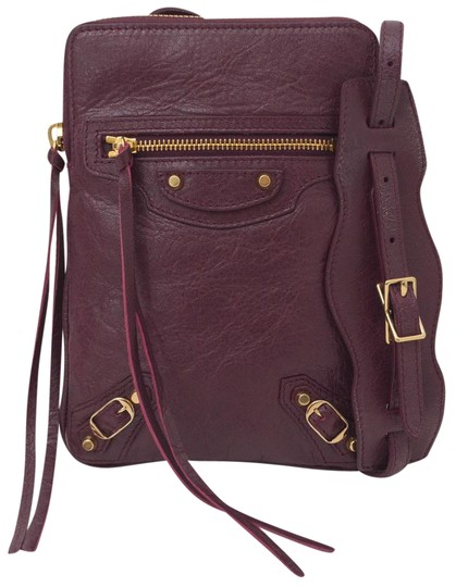 Preload https://img-static.tradesy.com/item/25514755/balenciaga-classic-phone-holder-dark-wine-leather-cross-body-bag-0-1-540-540.jpg