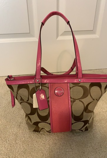 Coach Tote in Pink Image 11