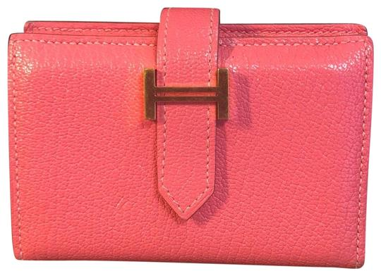 Preload https://img-static.tradesy.com/item/25514881/hermes-preloved-bearn-wallet-compact-rose-extreme-ghw-pink-chevre-leather-wristlet-0-1-540-540.jpg