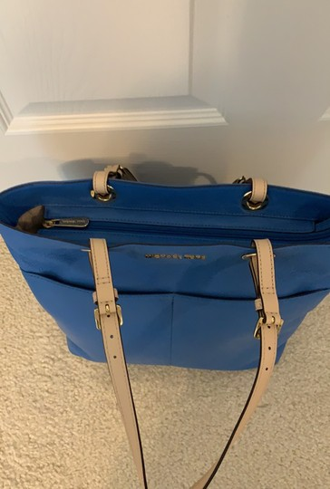 Michael Kors Tote in Blue Image 10