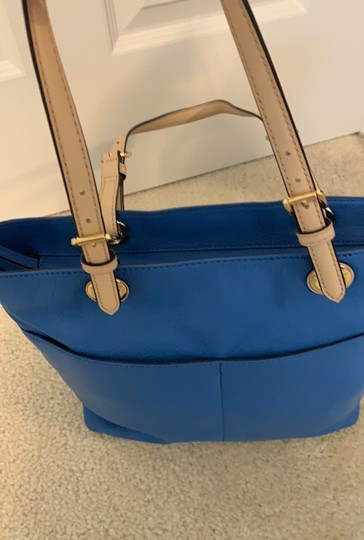 Michael Kors Tote in Blue Image 11