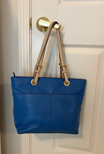 Michael Kors Tote in Blue Image 3