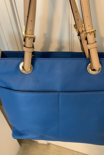Michael Kors Tote in Blue Image 8