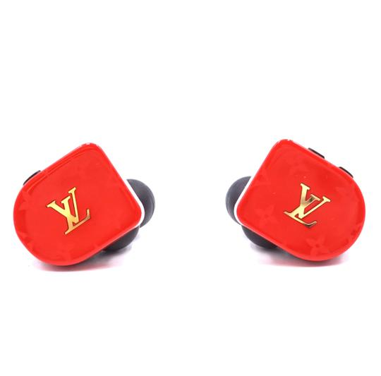 Preload https://img-static.tradesy.com/item/25514959/louis-vuitton-30074-red-multicolor-horizon-ultra-rare-monogram-ss19-earphones-earbuds-earpods-tech-a-0-1-540-540.jpg