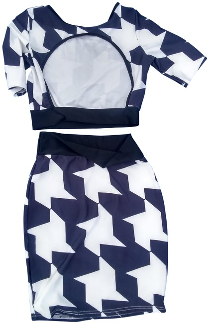 Preload https://img-static.tradesy.com/item/25515104/blue-n-white-two-piece-mid-length-short-casual-dress-size-4-s-0-1-650-650.jpg