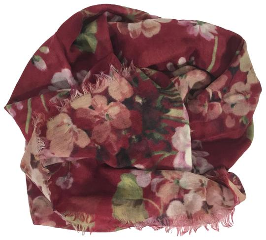 Preload https://img-static.tradesy.com/item/25515439/gucci-red-new-blooms-wool-cashmere-scarfwrap-0-1-540-540.jpg