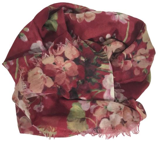 Preload https://img-static.tradesy.com/item/25515521/gucci-red-new-blooms-wool-cashmere-scarfwrap-0-1-540-540.jpg