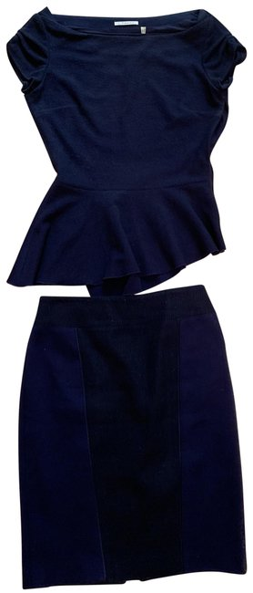 Preload https://img-static.tradesy.com/item/25515619/t-tahari-blue-xs-peplum-top-set-skirt-suit-size-2-xs-0-1-650-650.jpg