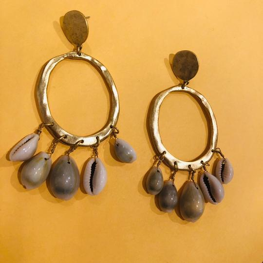 Tommy Bahama Cowrie Image 3