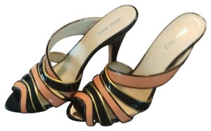 Miu Miu black, salmon,gold trim Pumps