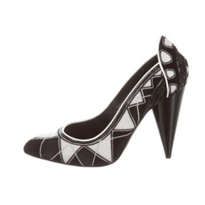 71f01159a8 Tom Ford Shoes on Sale - Up to 70% off at Tradesy