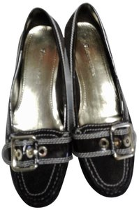 Etienne Aigner BROWN AND WHITE TRIM Flats