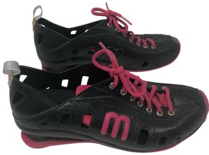 239d0e402 Melissa Black and pink Athletic