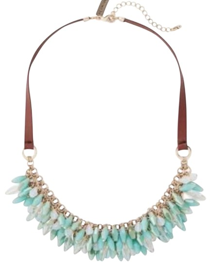 Preload https://img-static.tradesy.com/item/25518859/the-limited-tiered-bead-necklace-0-1-540-540.jpg