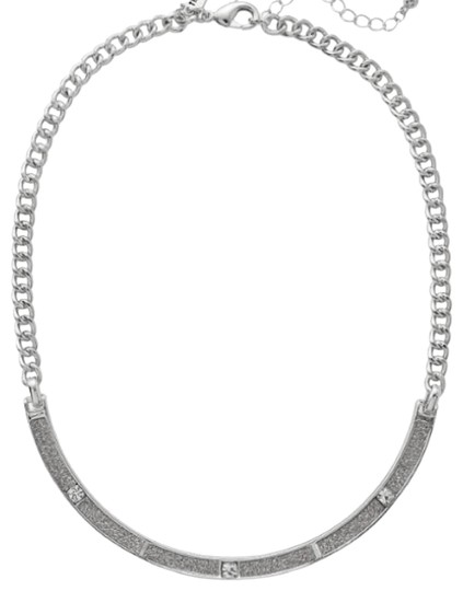 Preload https://img-static.tradesy.com/item/25518909/the-limited-silver-diamond-dust-curve-necklace-0-1-540-540.jpg