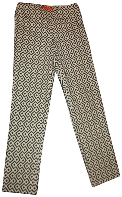 Preload https://img-static.tradesy.com/item/25519111/black-and-white-geometric-print-stretch-pull-on-ankle-pants-size-2-xs-26-0-1-650-650.jpg