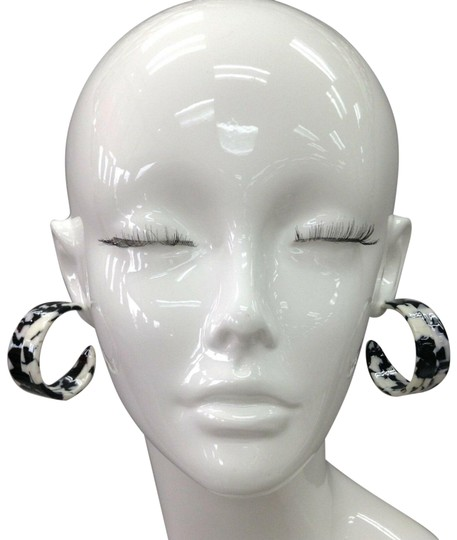 Preload https://img-static.tradesy.com/item/25519112/bohemian-style-epoxy-resin-black-and-white-round-wide-hoops-earrings-0-1-540-540.jpg