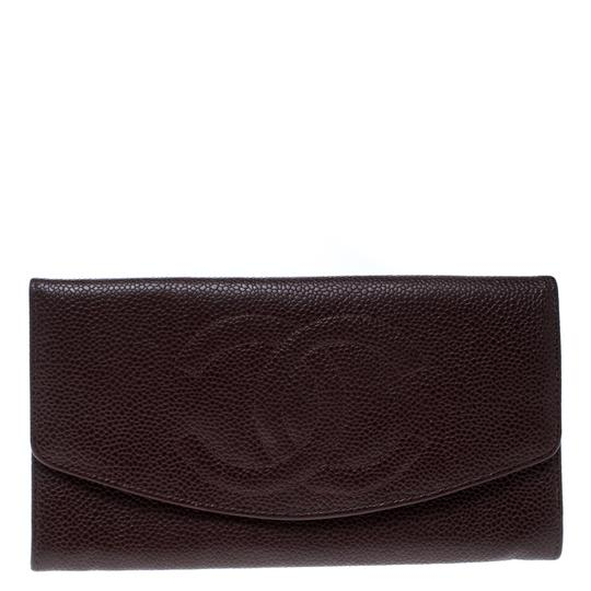 Preload https://img-static.tradesy.com/item/25519154/chanel-red-maroon-leather-cc-timeless-vintage-wallet-0-0-540-540.jpg
