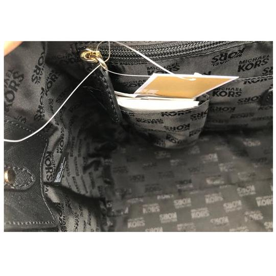 Michael Kors Womens Cross Body Bag Image 3