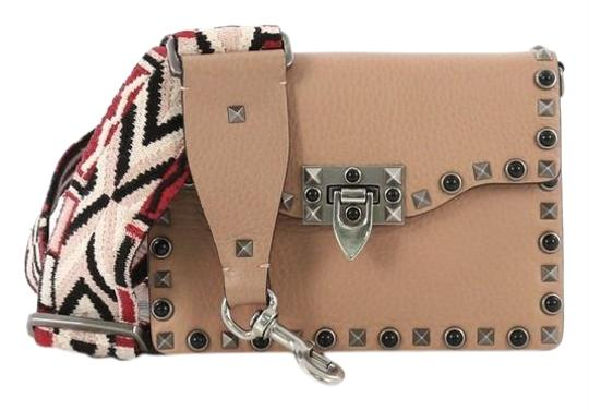 Preload https://img-static.tradesy.com/item/25519347/valentino-rolling-rockstud-with-cabochons-small-light-pink-leather-cross-body-bag-0-1-540-540.jpg