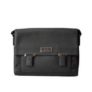 f2d3179495d6 Calvin Klein Messenger Bags - Up to 70% off at Tradesy
