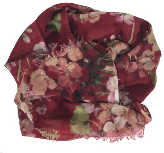 Preload https://img-static.tradesy.com/item/25519643/gucci-red-new-blooms-wool-cashmere-scarfwrap-0-1-540-540.jpg