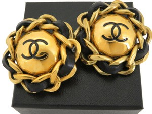 Chanel AUTH CHANEL CC CHAIN ROUND EARRINGS EY205