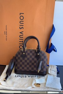 Louis Vuitton Satchel in damier ebene red