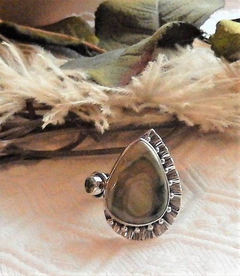 Handmade Artisan Crafted Sterling Silver Imperial Jasper Peridot Ring Size 7.5 Image 6