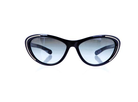 Preload https://img-static.tradesy.com/item/25522428/chanel-black-ch-6049-c1478s8-quilted-polarized-55mm-italy-sunglasses-0-0-540-540.jpg
