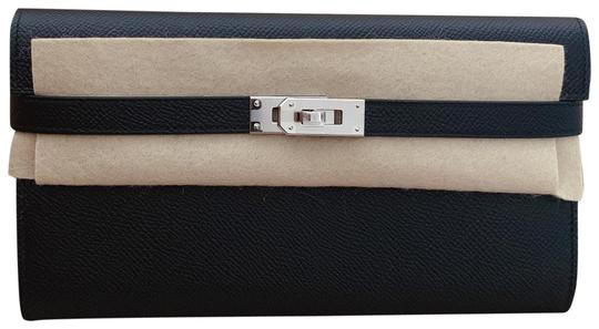 Preload https://img-static.tradesy.com/item/25522723/hermes-black-kelly-wallet-0-1-540-540.jpg