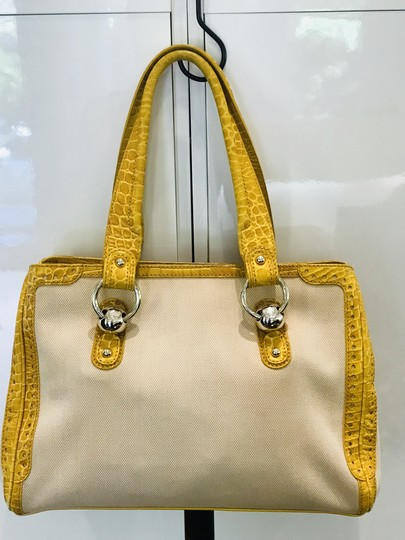 Céline Tote in yellow Image 1
